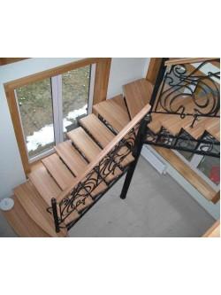 Лестница из массива дуба мод. 1