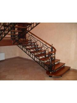 Лестница из массива дуба мод. 12