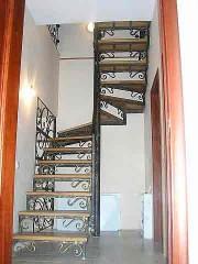 Лестница из массива дуба мод. 18