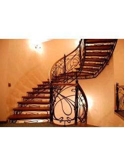 Лестница из массива дуба мод. 22