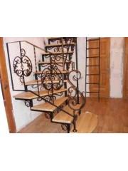 Лестница из массива дуба мод. 5