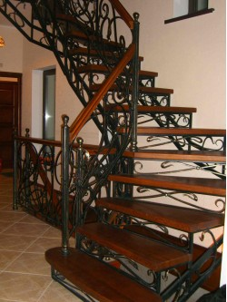 Лестница из массива дуба мод. 9